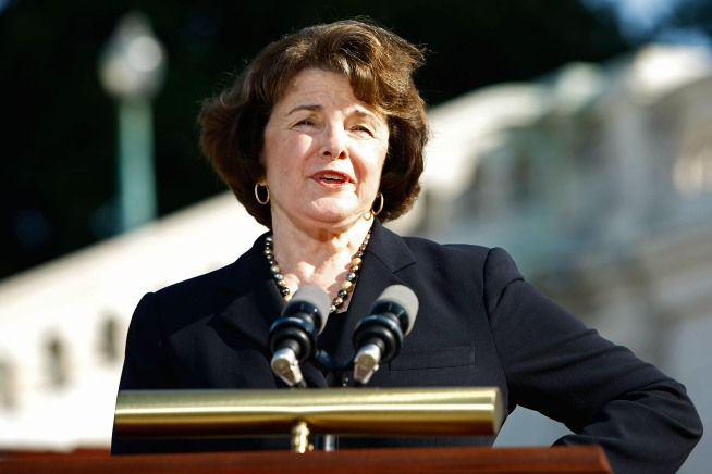 Democratic lawmakers, lead by Sen. Dianne Feinstein, unveiled a new assault weapons ban on Capitol Hill Thursday.