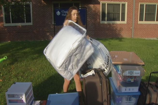 It's move in day for the class of 2016 at UConn in Storrs. More than 3,000 freshmen will move in over the weekend.