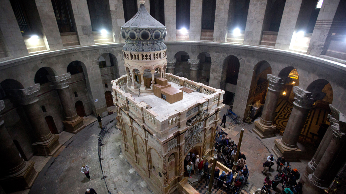 The tomb of Jesus Christ is seen in the Church of the Holy Sepulchre on March 21, 2017, in Jerusalem, Israel. Greek archaeologists have been working since June 2016 to restore the tomb, believed to be the place where Jesus Christ was buried and then resurrected from after his crucifixion. (Photo by Lior Mizrahi/Getty Images)