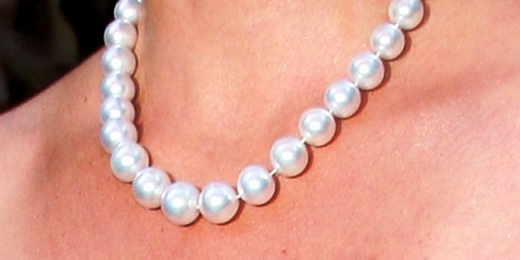 Honoring Military Wives, Moms With Pearls