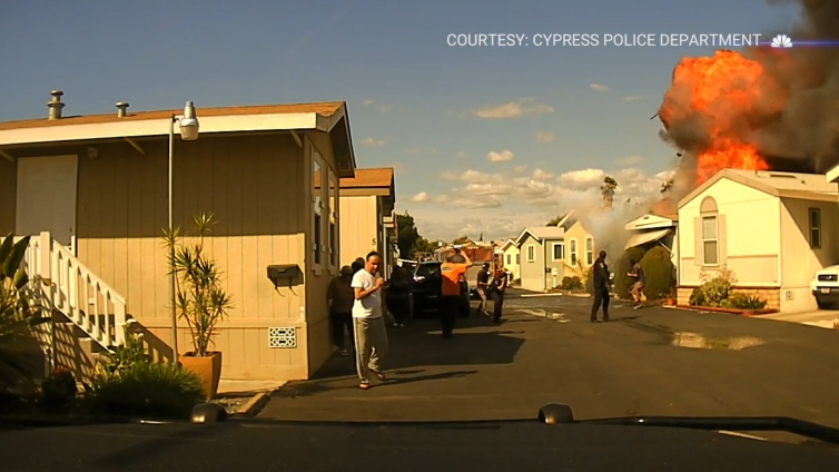 Police Capture Mobile Home Explosion on Dashcam