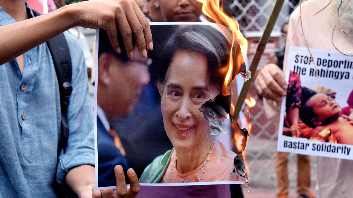 A group of activist protest against Rohingya crisis in front of Myanmar's consulate in Kolkata, India, on Monday, September 4, 2017, amid a deadly crackdown on Rohingya Muslims by Myanmar's military and police.
