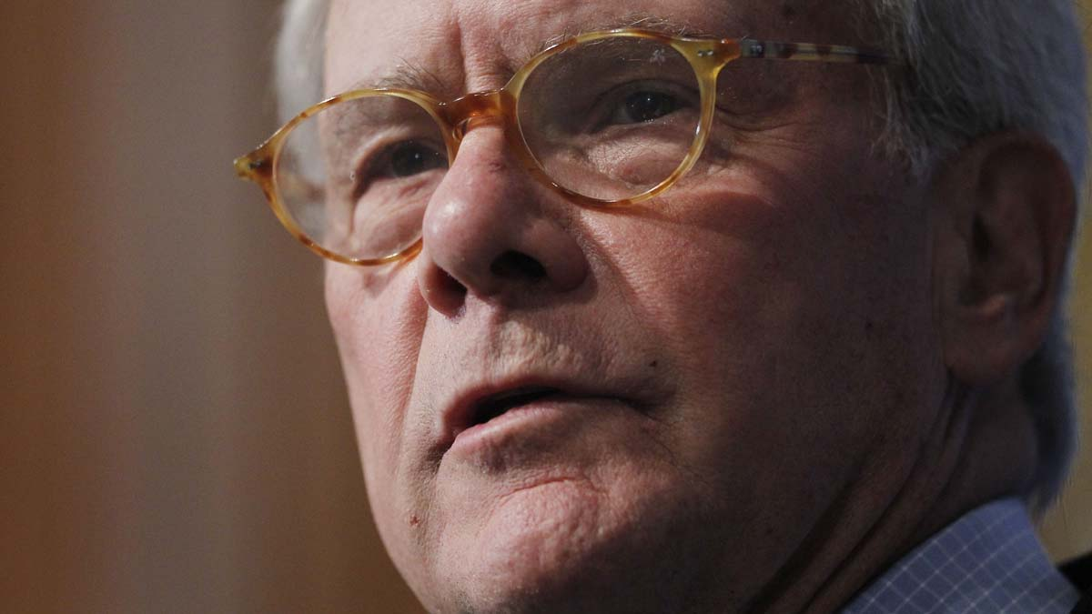 Veteran NBC News journalist Tom Brokaw has cancer, he said in a personal note released Tuesday.