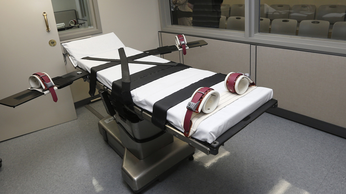 In this Thursday, Oct. 9, 2014, photo, the gurney in the the execution chamber at the Oklahoma State Penitentiary is pictured in McAlester, Oklahoma. Oklahoma resumed executions after it botched one.