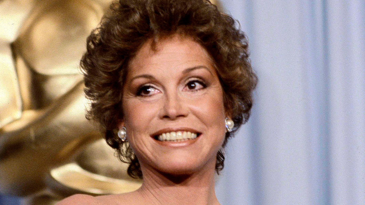 This March 31, 1981 file photo shows Mary Tyler Moore at the 53rd Academy Awards in Los Angeles. Moore, nominated for Best Actress for her film