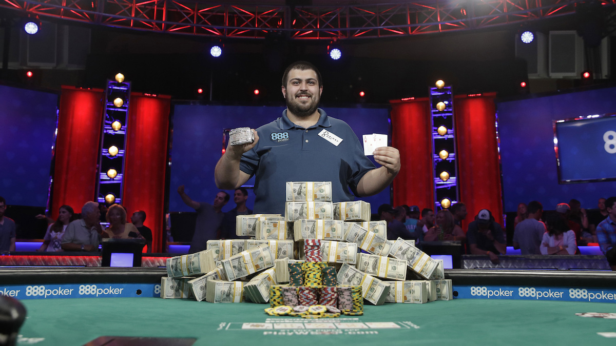 Scott Blumstein, a Temple University graduate and Philadelphia resident, holds up the bracelet after winning the World Series of Poker main event, Sunday, July 23, 2017, in Las Vegas.