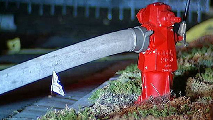 fire hydrant, fire hose