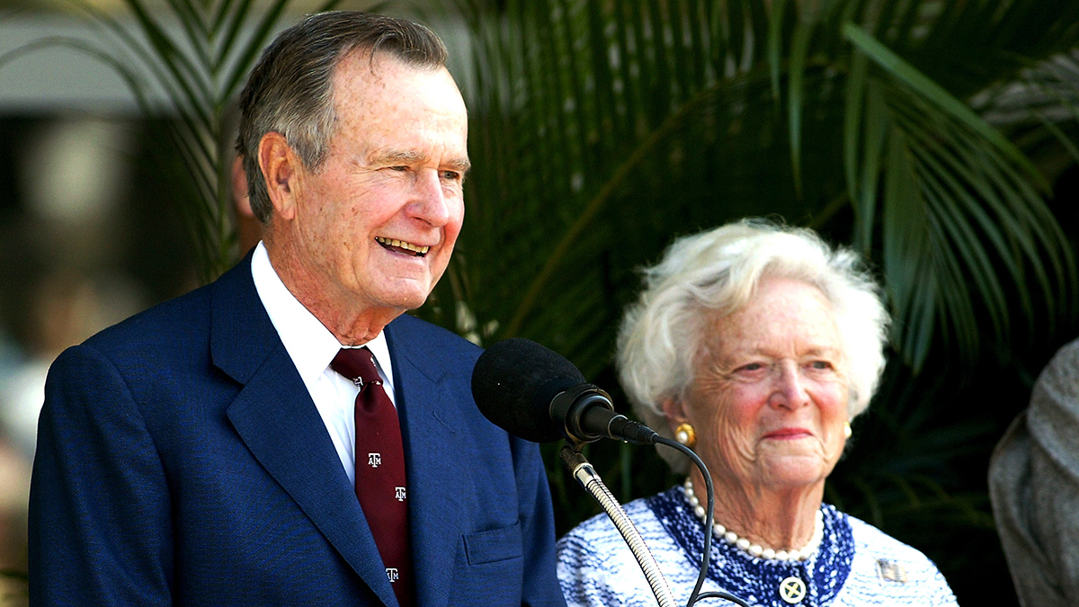 Former U.S. President George H.W. Bush and former first lady Barbara Bush attend a portrait unveiling at the George Bush Library April 21, 2003 in College Station, Texas.