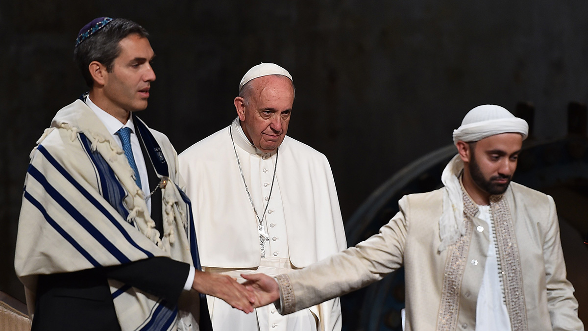 Pope Francis attends a multi-religious service for the victims of 9/11 in New York on September 25, 2015.