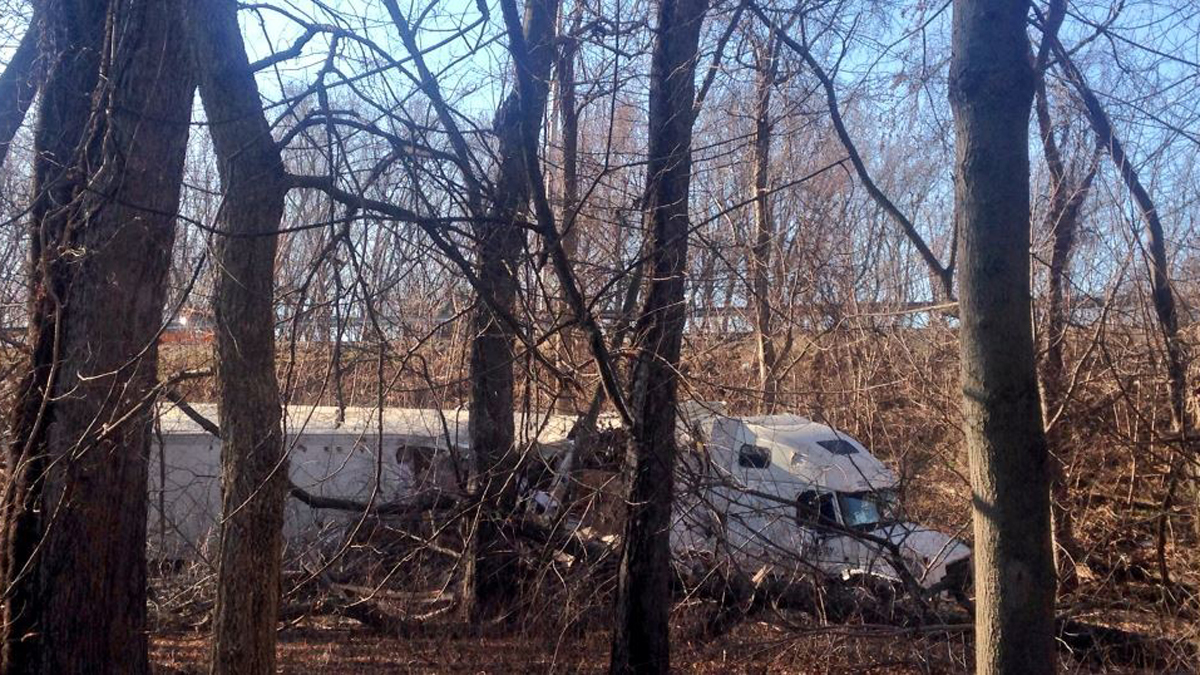 A tractor trailer crashed into the woods off I-91 north near exit 27 in Wethersfield.