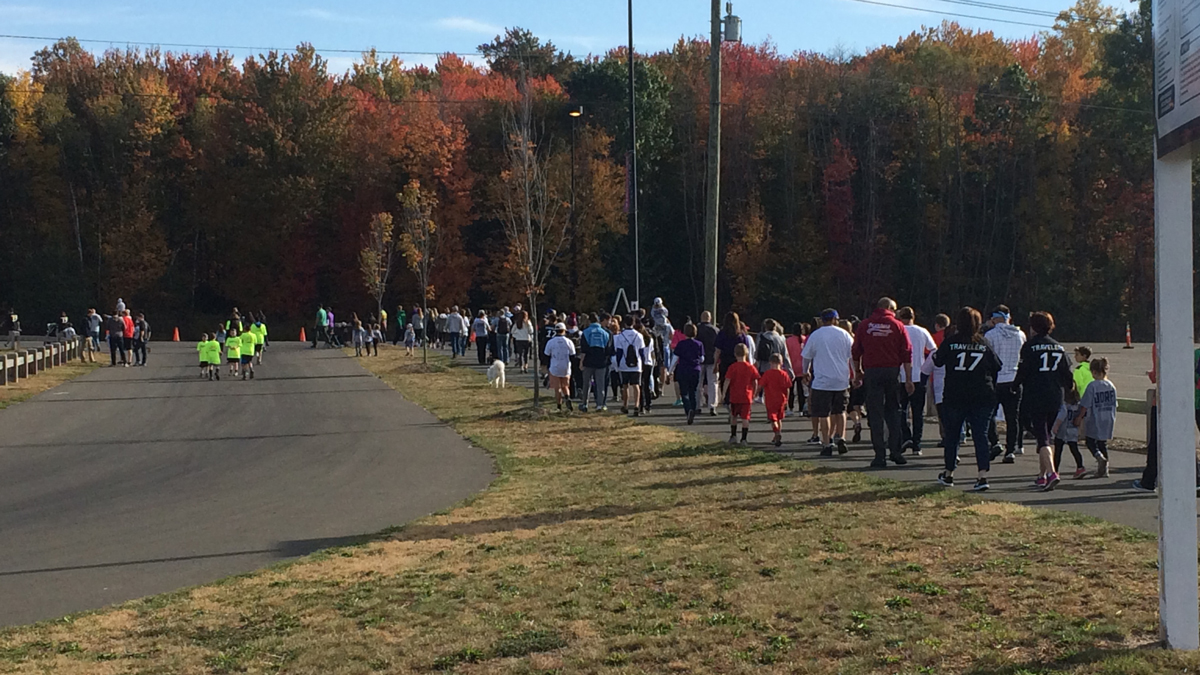 The JDRF Walk in East Hartford Sunday drew thousands of people to help support research on Type 1 diabetes.