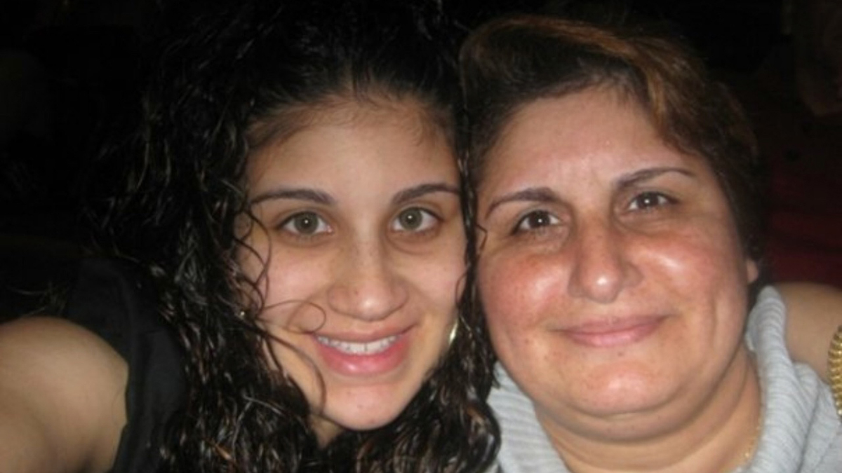 Janette Hernandez (right) and her daughter Melinda Echevarria