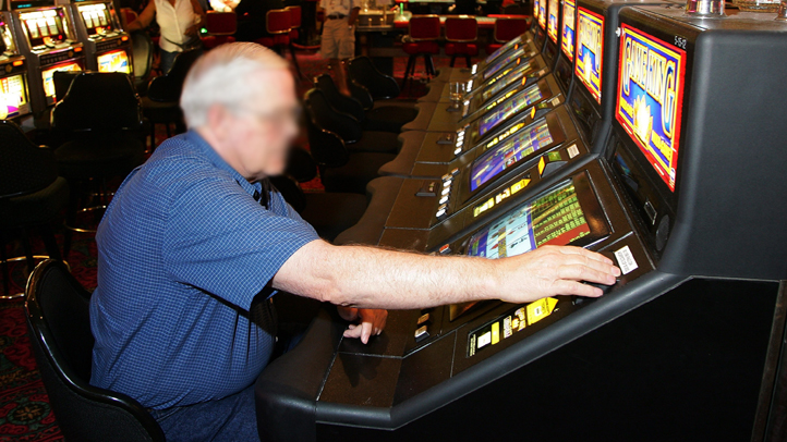 Connecticut is considering bringing video keno, like this game at the New Frontier Hotel & Casino in Las Vegas, back to Connecticut restaurants and bars.