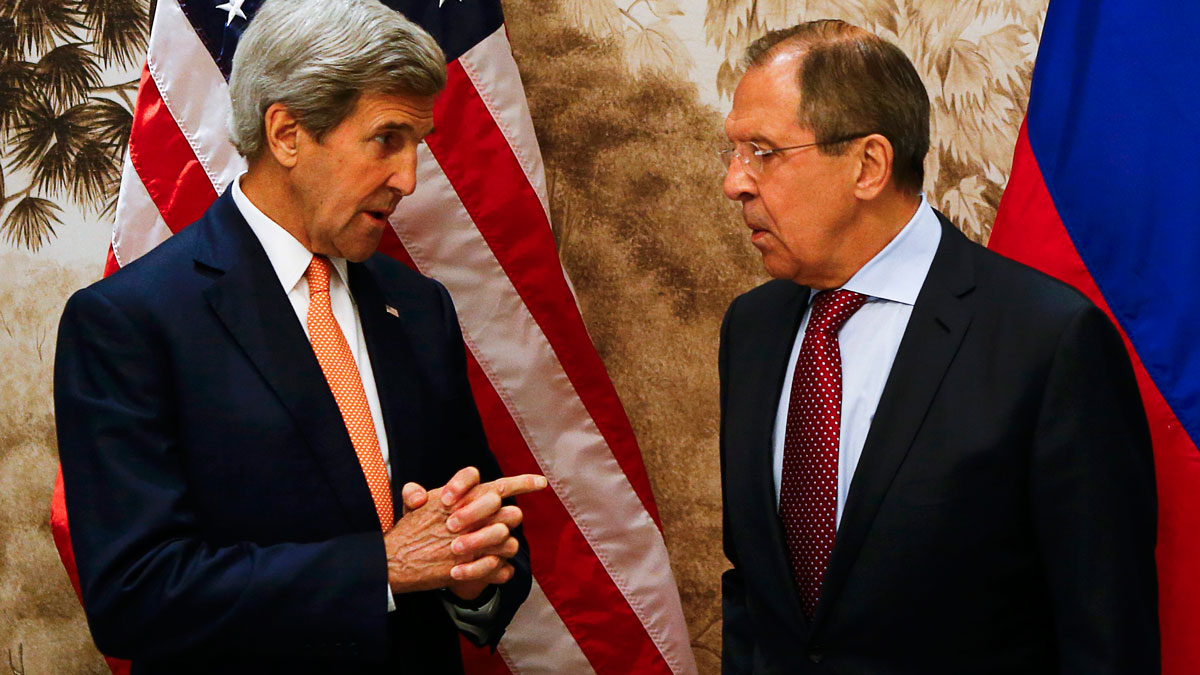 U.S. Secretary of State John Kerry and Russian Foreign Minister Sergey Lavrov, right, arrive for a meeting in Vienna, Austria, Monday May 16, 2016.