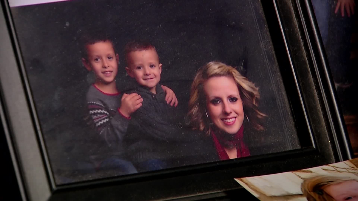 Maranda Abshire, 22 and her sons, 2-year-old Cruz Dominguez and 5-year-old Christopher Adrian Dominguez, died in the crash according to the Tarrant County Medical Examiner.