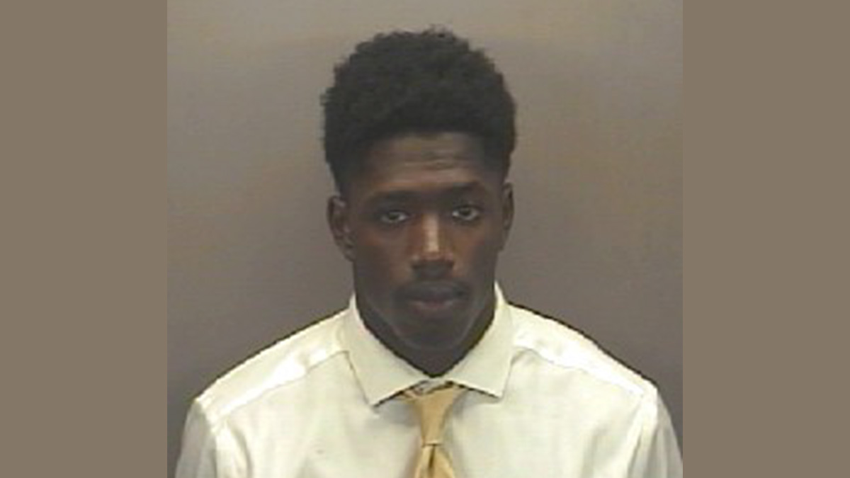 Allen Anthony Artis, turned himself in at the Orange County Sheriff's Office on Sept. 14, 2016, for sexual battery and assault on a female.