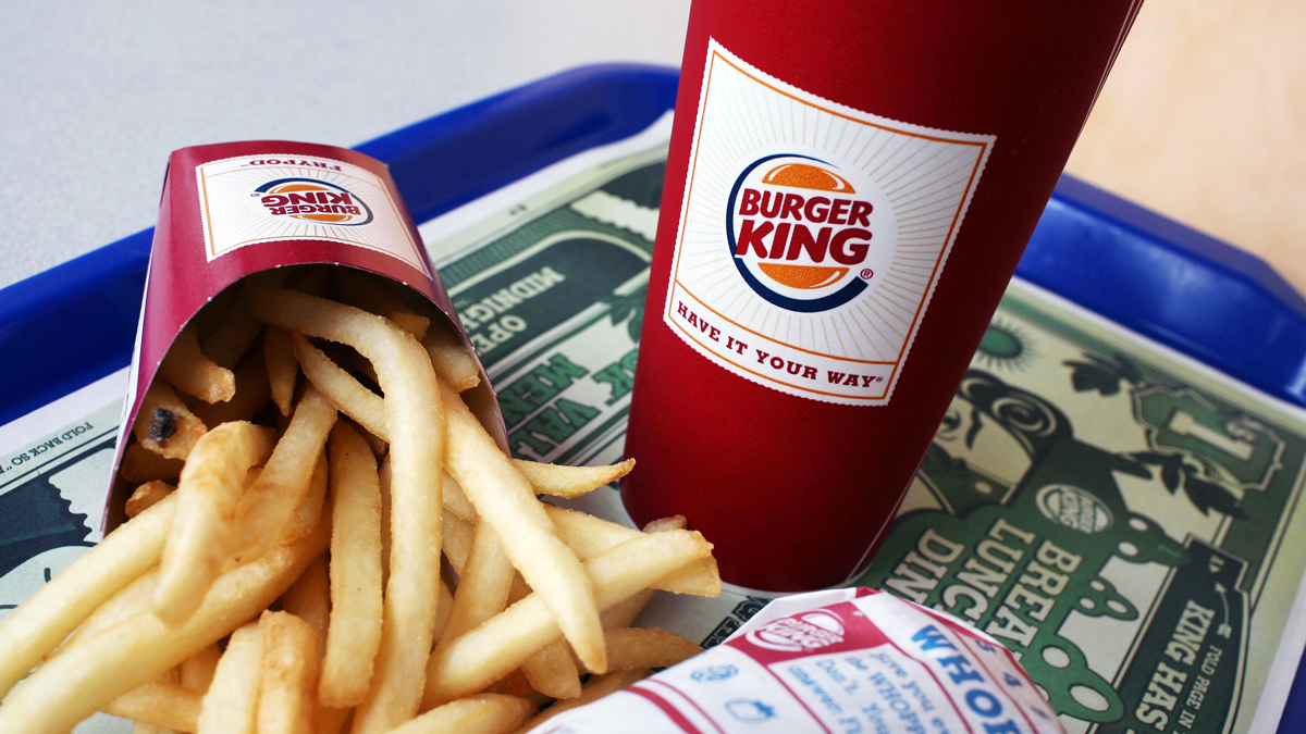 SAN FRANCISCO - AUGUST 21:  A Burger King Whopper Jr. meal sits on a tray at a Burger King restaurant August 21, 2008 in San Francisco, California. Burger King, the second largest hamburger chain in the U.S., surprised Wall Street today with better than excected quarterly earnings. The company reported a surge in net income with earnings of $51 million, or 37 cents per share compared to $36 million, or 26 cents per share one year ago.  (Photo by Justin Sullivan/Getty Images)
