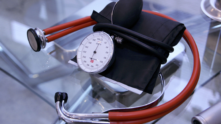 LUENEBURG, GERMANY - APRIL 01:  A stethoscope seen at a doctor's office on April 1, 2006 in Lueneburg, Germany. The two member parties, the SPD and CDU, of the german coalition government, met to discuss reforms of public health insurance system.  (Photo Illustration by Andreas Rentz/Getty Images)
