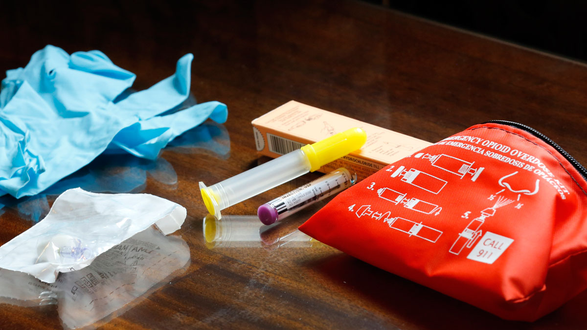 The contents of an emergency opioid overdose kit is seen at the statehouse Tuesday Sept. 29, 2015 in Concord, N.H.