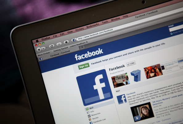 Facebook is enduring hoaxes that are targeting its users.