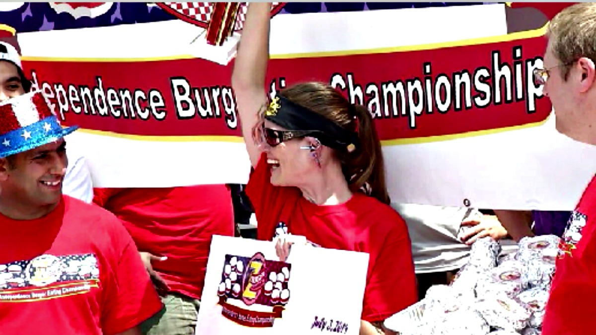 Molly Schuyler took down 26 burgers to win Z-Burger's sixth annual Independence Burger Eating Championship.
