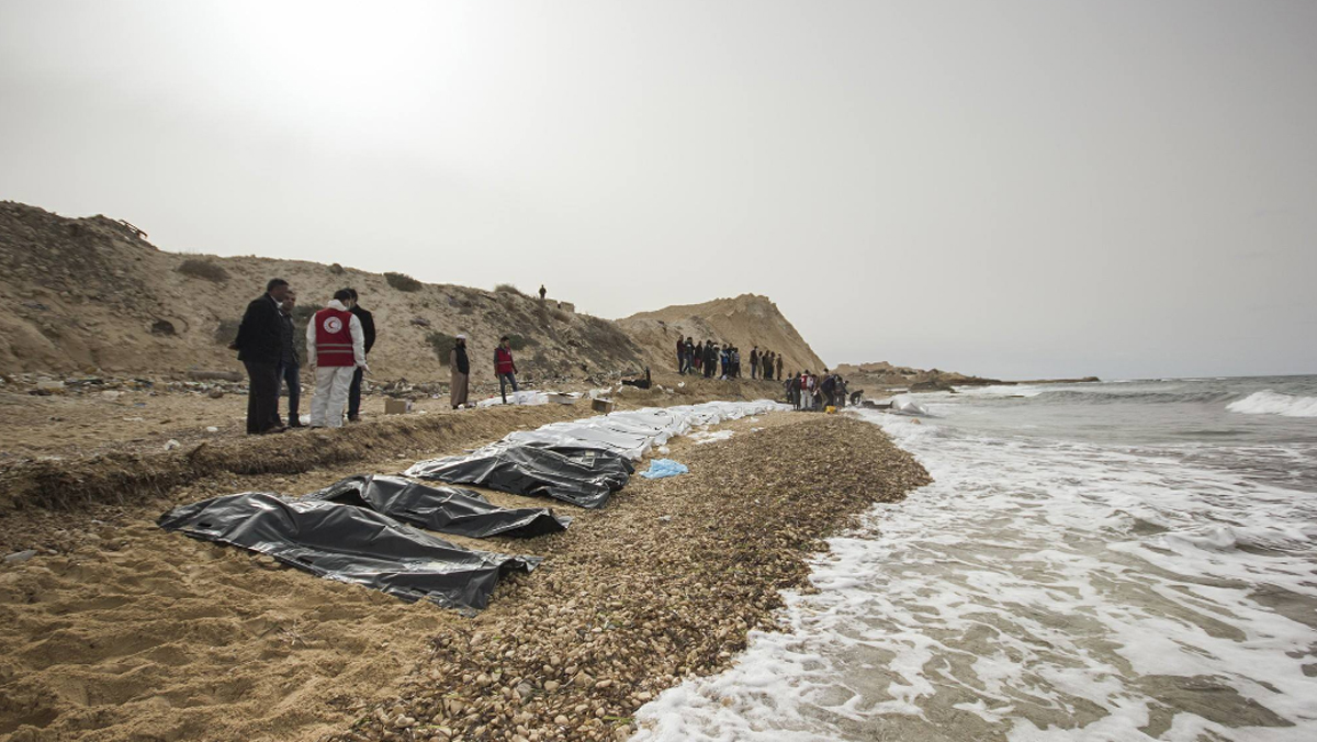 Volunteers with the Libyan Red Crescent helped recover the bodies of 74 migrants that washed ashore near Zawiya, Libya, the IFRC MENA said Feb. 21, 2017.