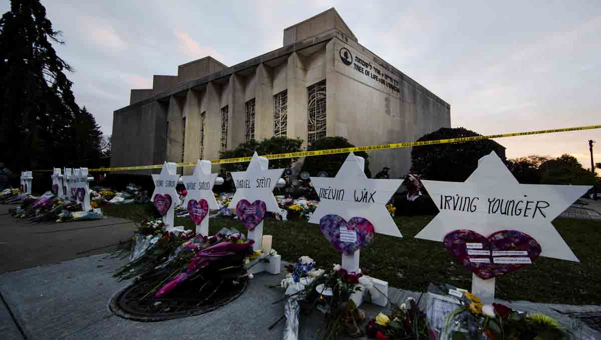 A makeshift memorial stands outside the Tree of Life Synagogue in the aftermath of a deadly shooting Saturday, Oct. 27, 2018.
