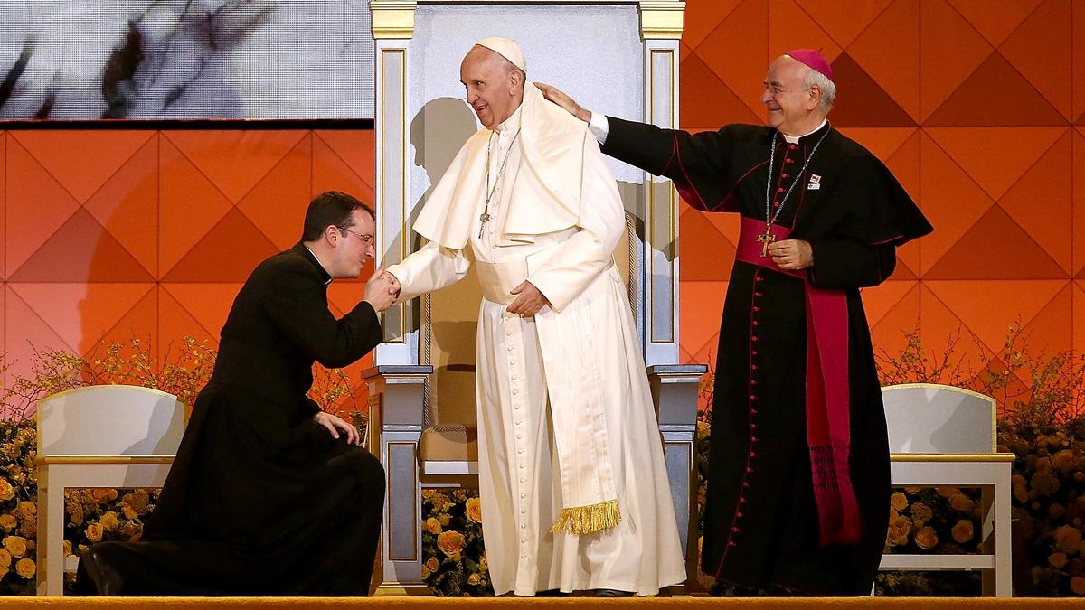 Pope Francis speaks at the Festival of Families on September 26, 2015 in Philadelphia, Pennsylvania.