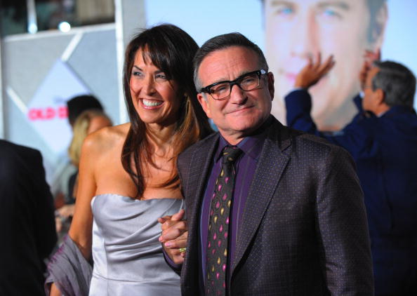 Actor Robin Williams and his wife Susan Schneider in November 2009 in Hollywood. Schneider recently wrote an essay on her late husband's disease.