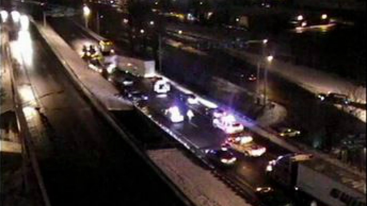A truck crash closed the northbound lanes of Route 8 in Waterbury on Saturday night.