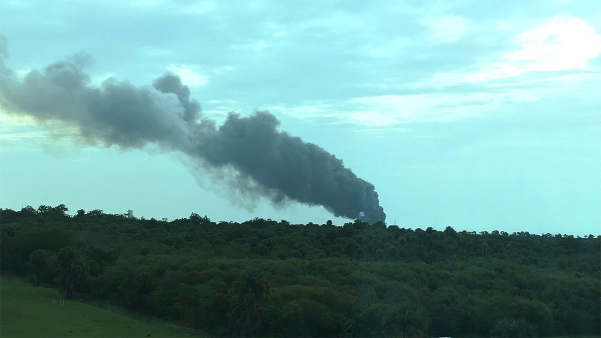 Twitter user Frank Jakubetz (@u2canbfmj) tweeted this photo depicting smoke in the aftermath of the explosion of a SpaceX rocket at Cape Canaveral, Florida, on Sept. 1, 2016.