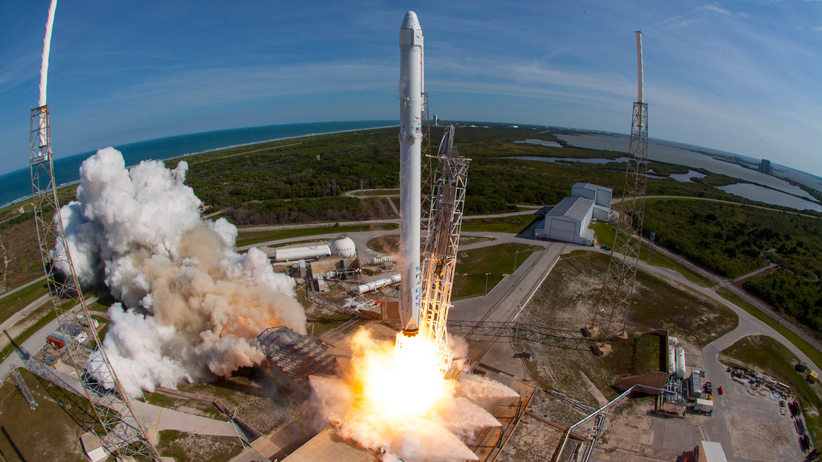 In this April 8, 2016 handout provided by NASA, SpaceXs Falcon 9 rocket and Dragon spacecraft lift off from Launch Complex 40 at the Cape Canaveral Air Force Station in Florida.