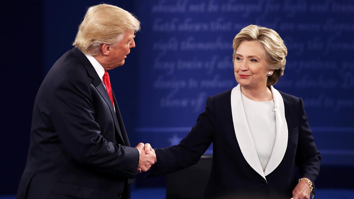 Y en esa nota, a diferencia del inicio del debate, al final ambos candidatos se despidieron con un apretón de manos.